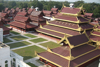 1280px-Mandalay-Palace-from-Watch-Tower